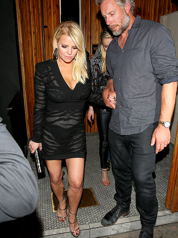 Jessica Simpson's little black dress